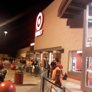 A late-night queue at a Target in Plano, Texas (courtesy Jacob,jose).